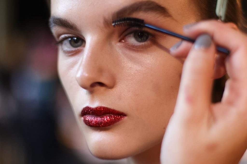 VAMFF 2017: The Best Backstage Beauty Looks