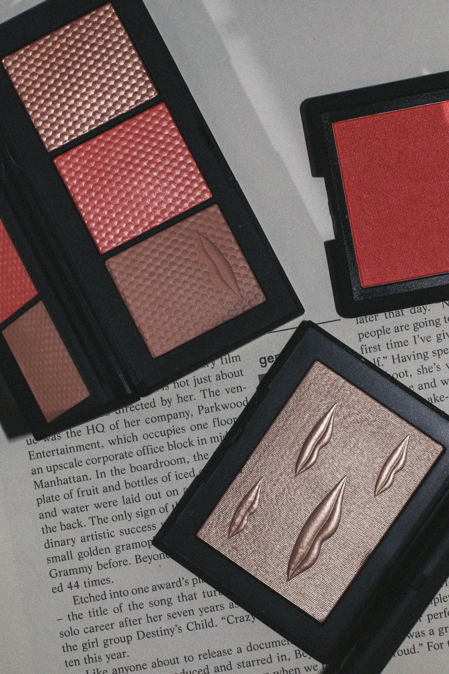 Nars The Veil Cheek Palette, Overexposed Glow Highlighter and Fetishized Blush